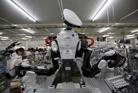 Japan's machinery orders extend gains as business spending stabilises