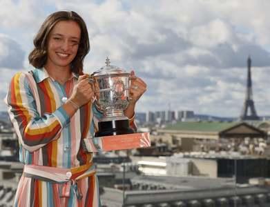 Swiatek won't rest on laurels after French Open triumph