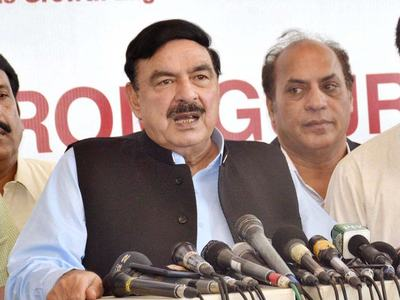 Sheikh Rasheed announces restoring trains, stops to previous position