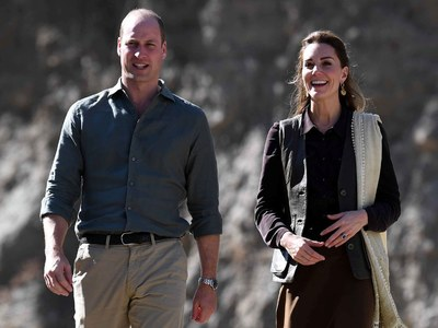 Prince William, Kate Middleton interact with students through video call