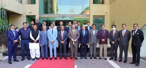 BOP President Inaugurates Facilitation Booth at Lahore Chamber of Commerce & Industry (LCCI)
