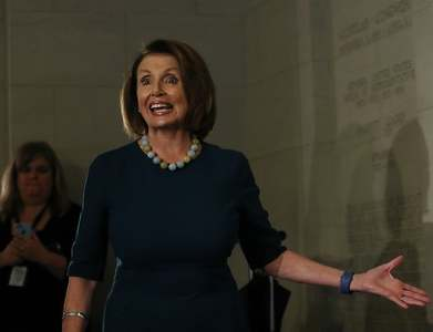 US House Speaker Pelosi, Mnuchin narrow differences on aid bill, Pelosi spokesman says