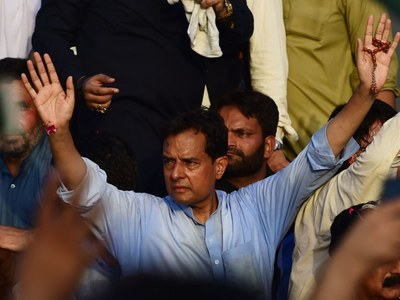 Will raise slogans for mother of nation every Oct 18 at Mazar-e-Quaid: Safdar