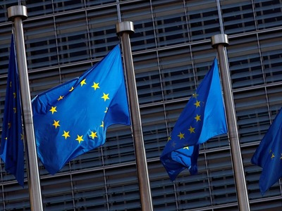 Euro zone economy at risk of double-dip recession