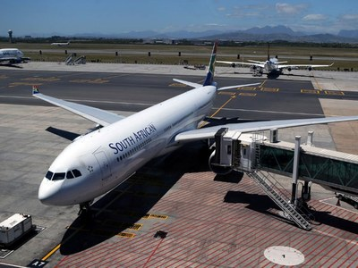 Airlines eye deals with S.Africa's Airlink as SAA, Comair falter
