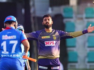 Chakravarthy five-for keeps Kolkata in IPL play-off race