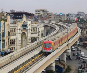 CM Buzdar inaugurates much-awaited Lahore Orange Line Metro service