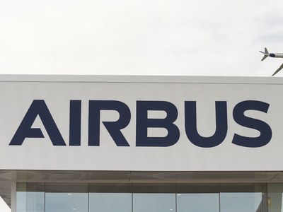 Airbus flies into red in third quarter