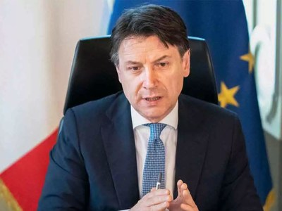 Italy PM resists pressure to impose national lockdown