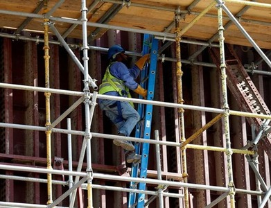 Saudi Arabia to relax foreign workers' sponsorship terms in March '21