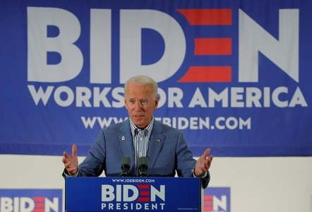 Biden takes lead in key states in tight White House race