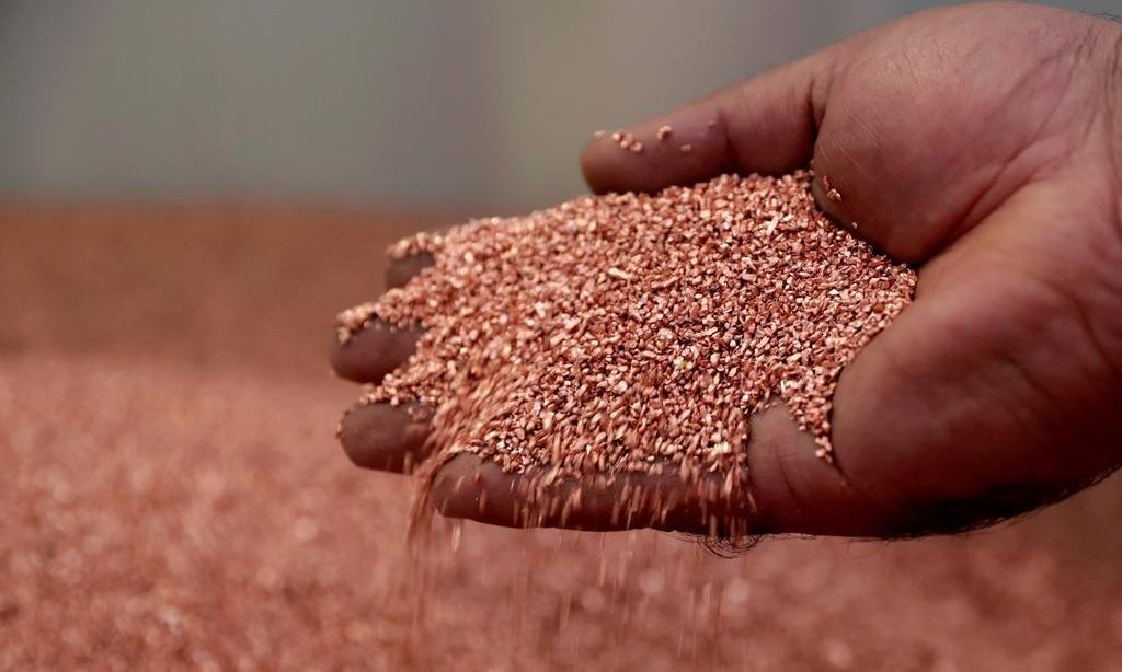 Copper pushes towards two-year highs as dollar falls further