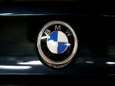 BMW unveils electric SUV to challenge Tesla, plans US launch in early 2022