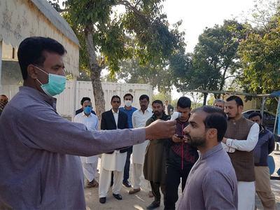Corona SOPs: Many shops, restaurants sealed in Lahore