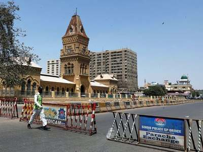 COVID-19 resurge: Karachi commissioner announces to impose micro, smart lockdown across city