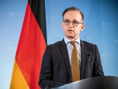 German FM slams coronavirus protesters for Nazi victim comparisons
