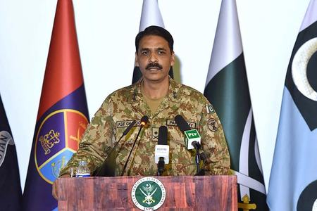 Six Army Major Generals including Asif Ghafoor promoted to rank of Lieutenant General