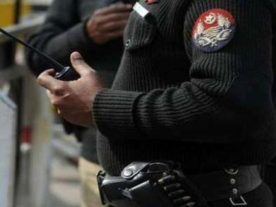 Five 'dacoits' killed in Karachi shootout: Police