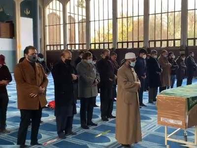 Begum Shamim Akhtar's funeral prayers offered in London