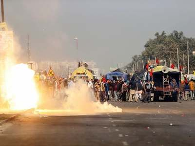 Indian farmers clash with police in protest over market reform