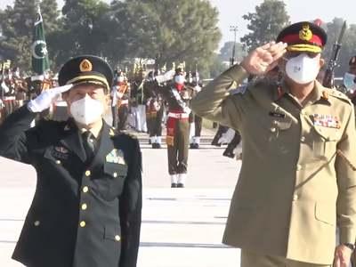 China's Defence Minister calls on COAS Bajwa