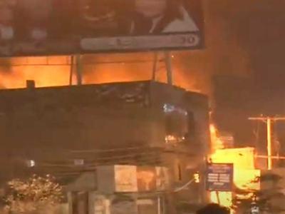 Fire erupts near PDM's rally venue in Multan