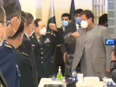 Chinese Defence Minister calls on PM Imran Khan