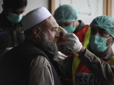 Risk of COVID-19 doubles in Pakistan after flu vaccine goes short
