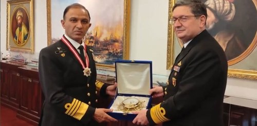 """Admiral Niazi honoured with """"Legion of Merit"""" award by Turkish Naval Forces"""
