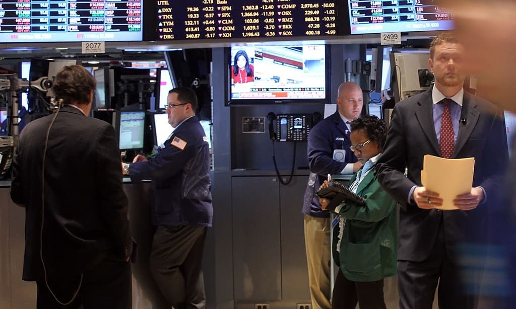 S&P 500 ends lower after hitting record high