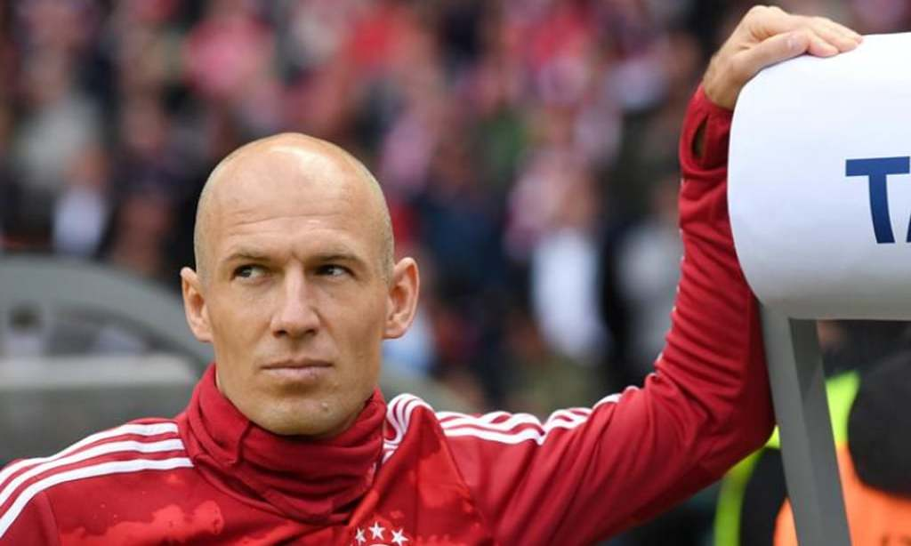 Robben comeback on hold until next year