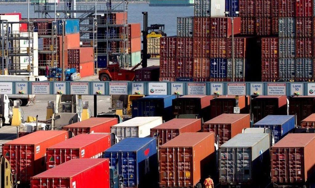 China Nov exports rise 21.1% y/y, imports up 4.5% y/y