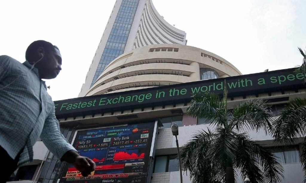 Indian shares hit record highs as ICICI Bank climbs; HDFC Bank weighs
