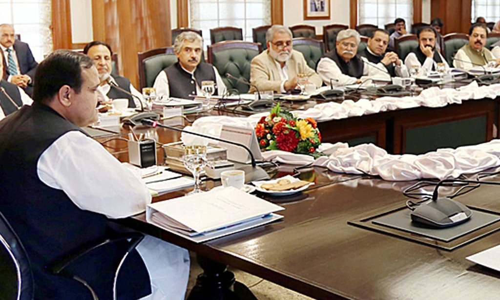 Civil, military leaders sit together to mull over COVID-19 situation in Punjab