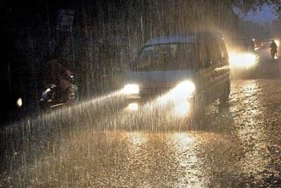 Rains multiply motorists' agonies at ram-shackled Kahuta road