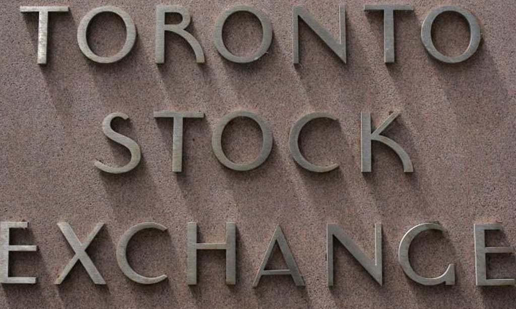 TSX opens lower as energy stocks drag, coronavirus cases rise