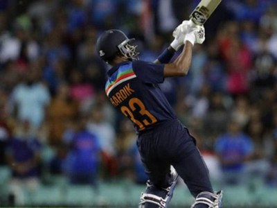 Kohli rules Pandya out as specialist batsman for Australia tests