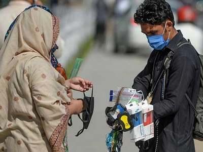 Karachi's COVID-19 positivity rate jumps over 21 percent: NCOC