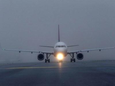 US airlines say vaccine cargo could help restart passenger flights