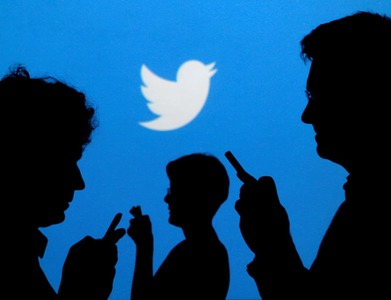 Twitter users can now share tweets to Snapchat