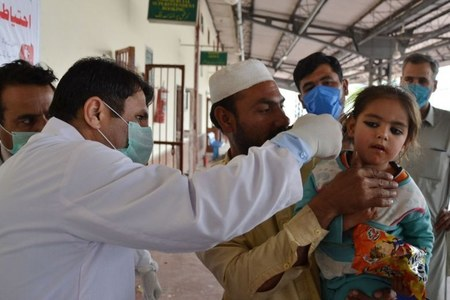 COVID-19 outbreak: Pakistan records 71 deaths, 2,729 new cases after rapid rise in infections