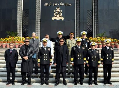 PM visits NHQ, recognizes Pak Navy's preparedness to safeguard country's sea frontiers, Gwadar port