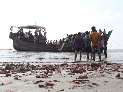 Exclusive video: Smugglers beat Rohingya on trafficking boat