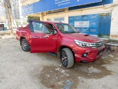 Police defuse bomb planted in car near Bilawal House