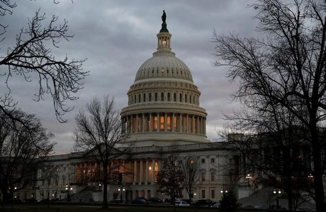 As pandemic rages across U.S., Congress scrambles to reach relief deal