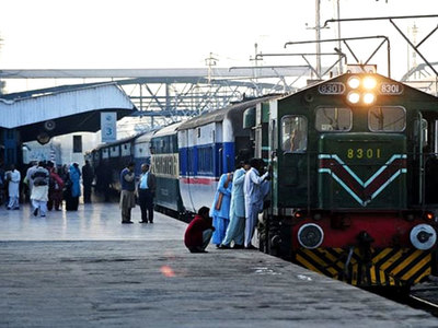 Swati vowes to run railways on modern lines