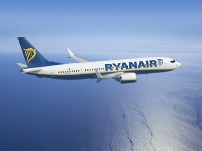 Ryanair cancels 12 UK routes over CAA 'policy shift'