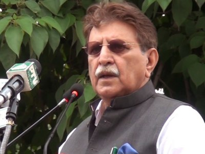 AJK PM urges youth highlight Kashmir issue thru social media