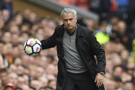Mourinho unhappy at Spurs' lack of ambition