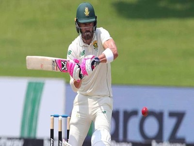 Du Plessis century takes South Africa ahead